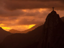Christus-Erlöser bei Sonnenuntergang Lizenzfreie Stockfotos