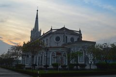 Christus-Kirche, historische Christus-Kirche auf dem blauer Himmel backgroun Stockbilder