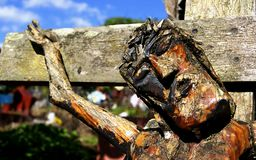 Christus kruisigde gesneden in hout stock foto's