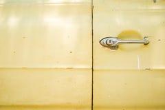 Chrom drzwiowa rękojeść stary samochód obrazy royalty free