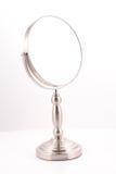 Chrom-runder Spiegel mit Standplatz lizenzfreie stockfotografie