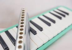 Chromatische harmonika en melodion royalty-vrije stock foto