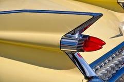 Chromieren Sie Heckflosse eines alten Timer-Autos Stockbild