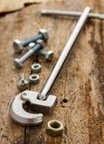 Chromschlüssel und Set nuts Schrauben Lizenzfreie Stockfotos
