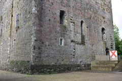 Chronić ruiny średniowieczny kasztel obrazy stock