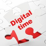 Chronologieconcept: Digitale Tijd op raadselachtergrond Stock Afbeeldingen