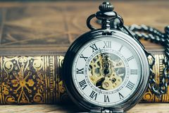 Chronométrez le fonctionnement, la date-butoir, le temps de la vie ou le concept d'étape importante d'affaires, image libre de droits