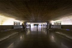 Chronométrez le tunnel du sénat aux bureaux se reliants brésiliens du congrès national et aux bâtiments pléniers - Brasilia, Dist image libre de droits
