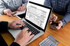 Chronométrez pour l'imposition Busi de comptabilité financière d'argent de planification des impôts photo stock