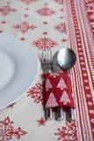 Chrsitmas桌的晚餐装饰 免版税库存照片