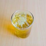 Chrysant met water Royalty-vrije Stock Afbeeldingen