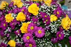Chrysanthemum flowers and yellow roses Royalty Free Stock Photography
