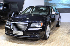 Chrysler 300c bil Arkivfoto
