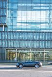 Chrysler Crossfire, för administrationsbyggnaden av Thysse royaltyfri bild