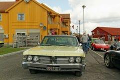 Chrysler dans jaune pâle Image libre de droits