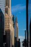 Chrysler-de Bouw bij daglicht met maan in de wintermiddag Royalty-vrije Stock Afbeelding