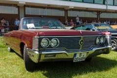 Chrysler för lyxig bil den imperialistiska kronan, 1968 Fotografering för Bildbyråer