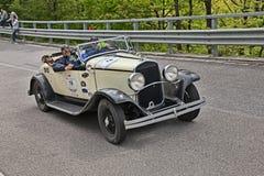 Chrysler 75 (1929) i det historiska loppet Mille Miglia Royaltyfria Foton