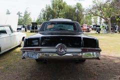 Chrysler Kaiser-1966 auf Anzeige Lizenzfreie Stockfotografie