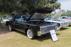 Chrysler Kaiser-1966 auf Anzeige Lizenzfreies Stockfoto