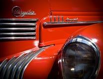 Chrysler rouge Art Deco Hood et phare impériaux photographie stock libre de droits