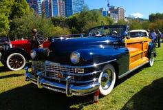 Chrysler Town 1948 & land Arkivbilder