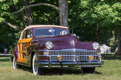 Chrysler Town 1948 & land Arkivbilder