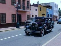 Chrysler 66 vier die deuren in een show in Lima worden tentoongesteld Stock Foto's