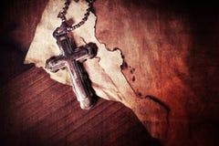 Chrystianizm religii symbolu Jezus biblia i krzyż Obrazy Royalty Free