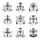 Chrześcijanin Krzyżuje emblematy ustawiających Heraldyczny żakiet ręki dekoracyjne royalty ilustracja