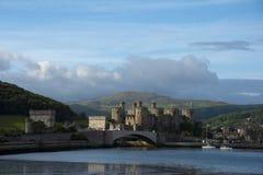 Château de Conwy une vue de début de la matinée Images stock