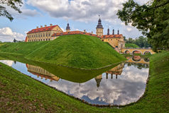 Château scénique de Nesvizh au Belarus Photographie stock libre de droits