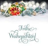 Chuchería de la Navidad con la poinsetia, ramas del árbol de navidad encendido Fotografía de archivo