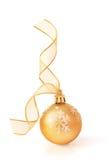 Chuchería de oro de la Navidad Fotos de archivo libres de regalías