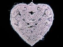Chuchería en forma de corazón escarchada de la Navidad Fotos de archivo libres de regalías