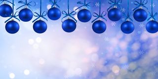 Chucherías azules colgantes en los 2 superiores Imagen de archivo libre de regalías