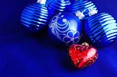 Chucherías azules de la Navidad Foto de archivo libre de regalías