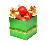Chucherías de la Navidad en rectángulo de regalo Fotos de archivo libres de regalías