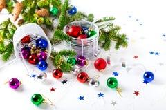 Chucherías de la Navidad para el fondo del blanco de la decoración Imagen de archivo libre de regalías