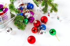 Chucherías de la Navidad para el fondo del blanco de la decoración Imagen de archivo