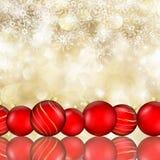 Chucherías de la Navidad y fondo del copo de nieve Fotos de archivo libres de regalías