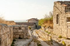 Chufut-col rizada antigua de la ciudad de la cueva imagen de archivo libre de regalías