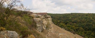 Chufut-grönkål - medeltida stad-fästning i de Crimean bergen arkivbilder