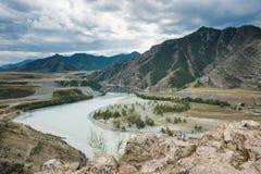 Chuisko-katun dal, Ryssland, Altai berg, Katun område Royaltyfri Bild