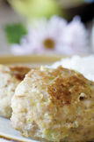 Chuletas del pollo con el calabacín Foto de archivo libre de regalías