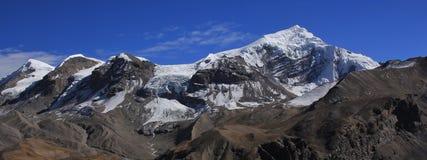 Chulu del oeste, alta montaña de la gama de Annapurna Fotos de archivo