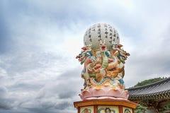 Chungcheongbuk-gör Sydkorea - Augusti 29, 2016: Guinsa tempel i Sobaek berg Royaltyfri Fotografi