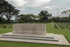 Chungkai战争公墓在泰国,数千联盟的POWs在泰国-缅甸死亡死铁路被埋没 免版税图库摄影