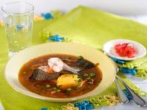 Chupin de pescado, en traditionell peruansk soppa Royaltyfria Bilder