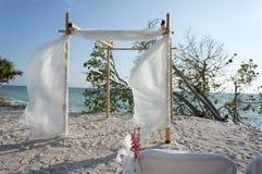 Chuppa per Wedding sulla spiaggia Immagini Stock